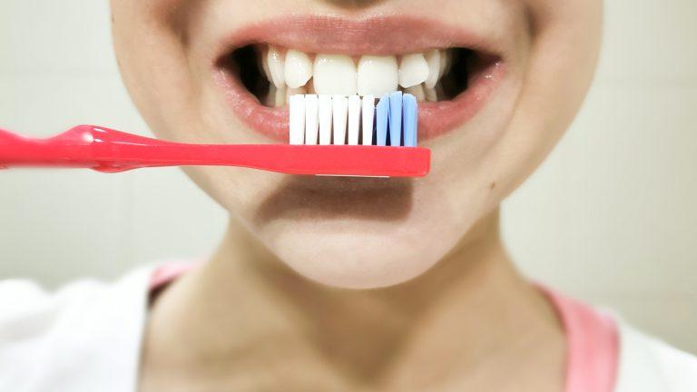 A Dica Verde: A Pasta e Escova de Dentes